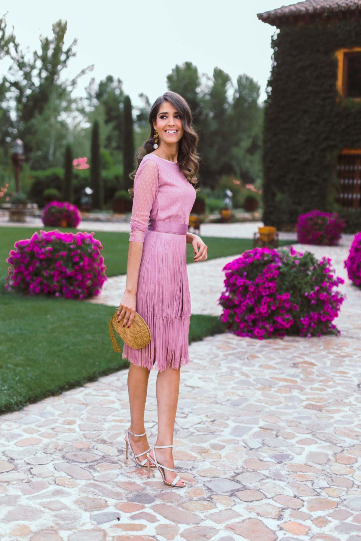 falda con flecos rosa para fiestas de dia o noche