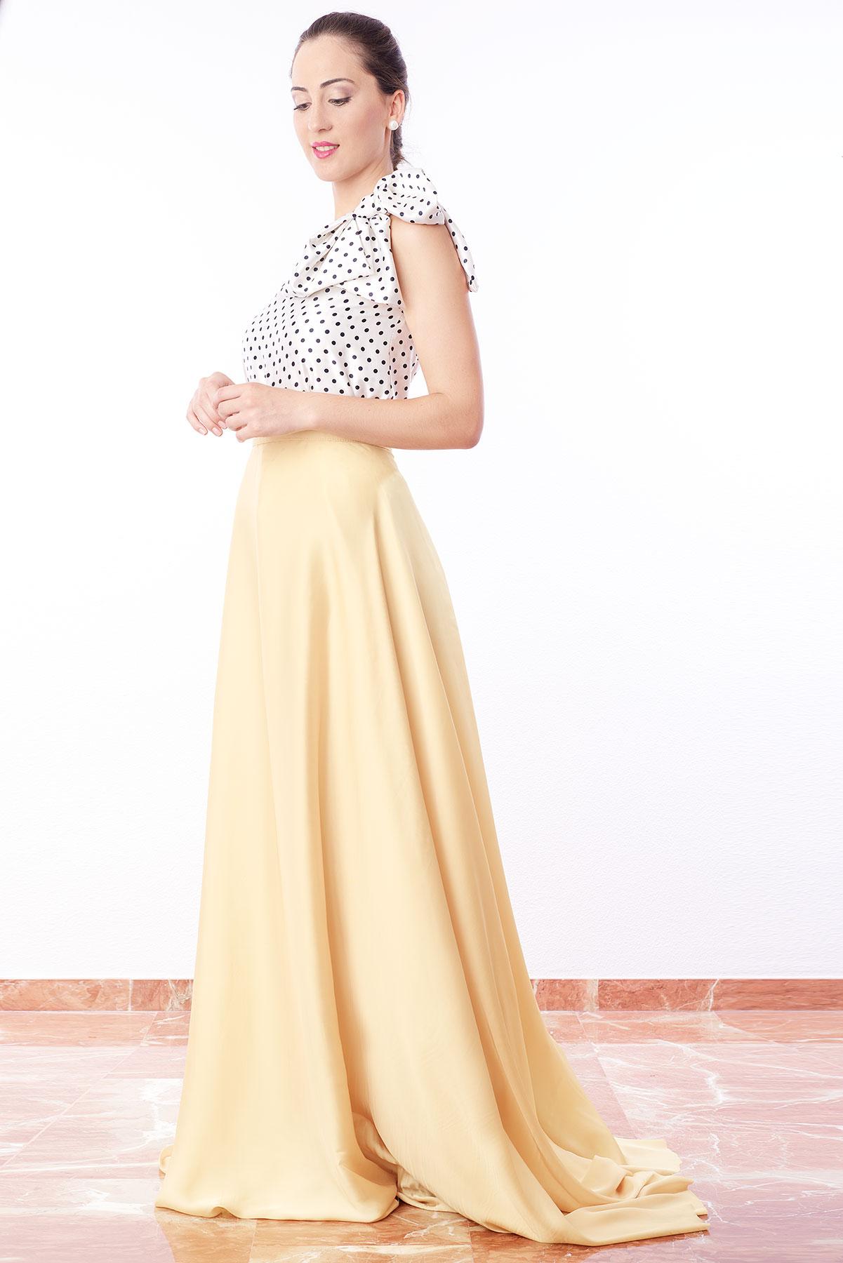 falda de fiesta larga amarilla larga diseñada por Fatima Angulo