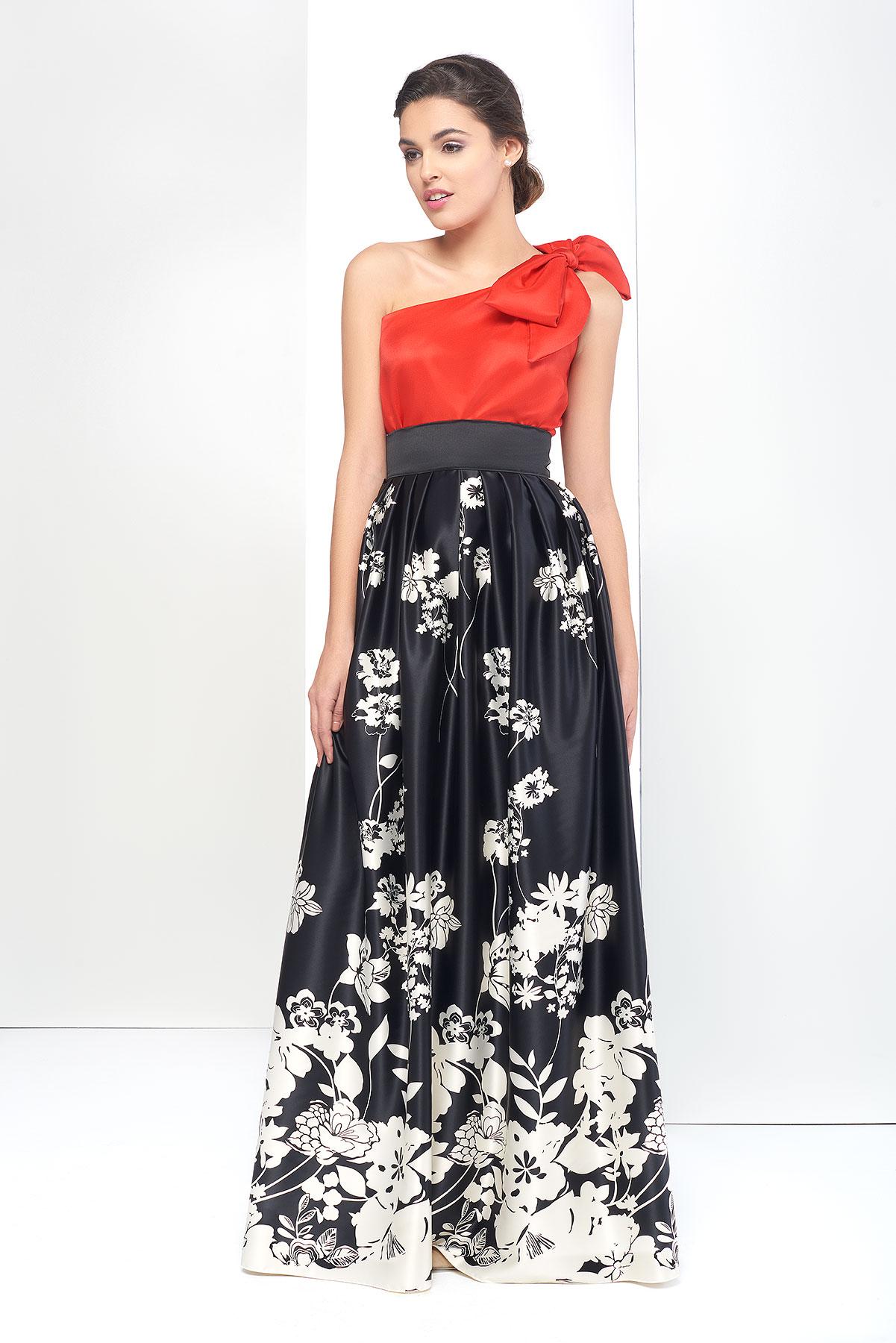 dd5a895c2c332 Falda de fiesta larga negra con estampado de flores. Para eventos.
