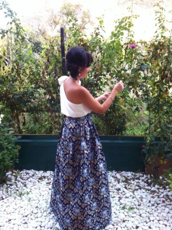 clienta de FAtima Angulo con la falda larga Reyes para ir de invitada a fiestas o eventos
