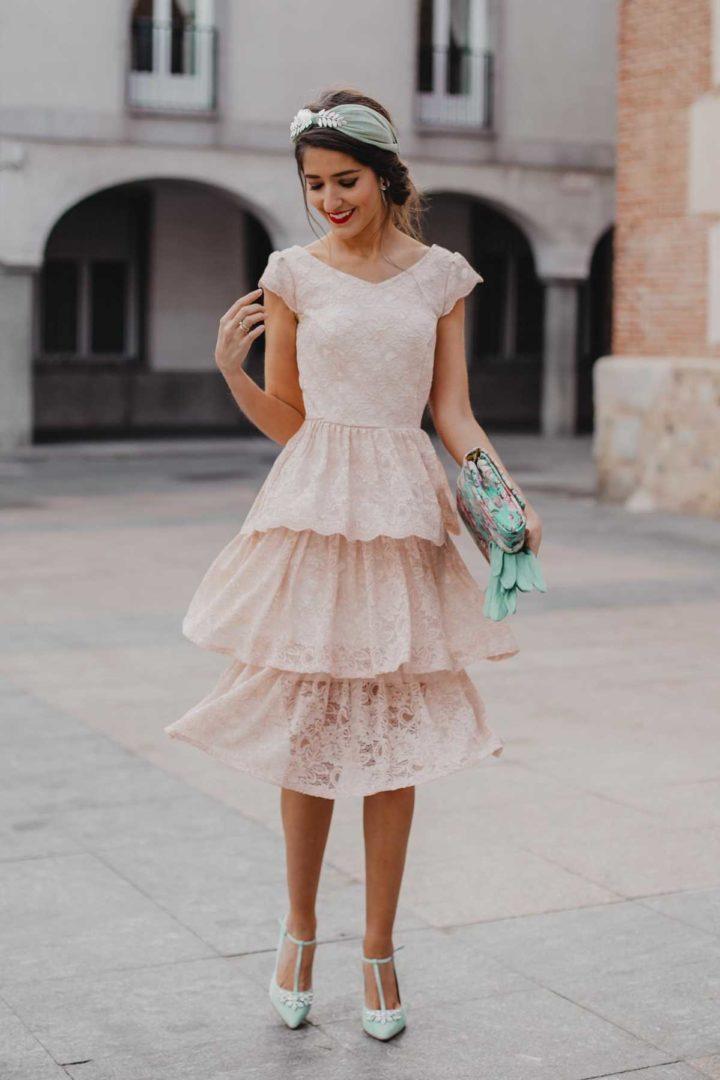 vestido de mujer paris color claro