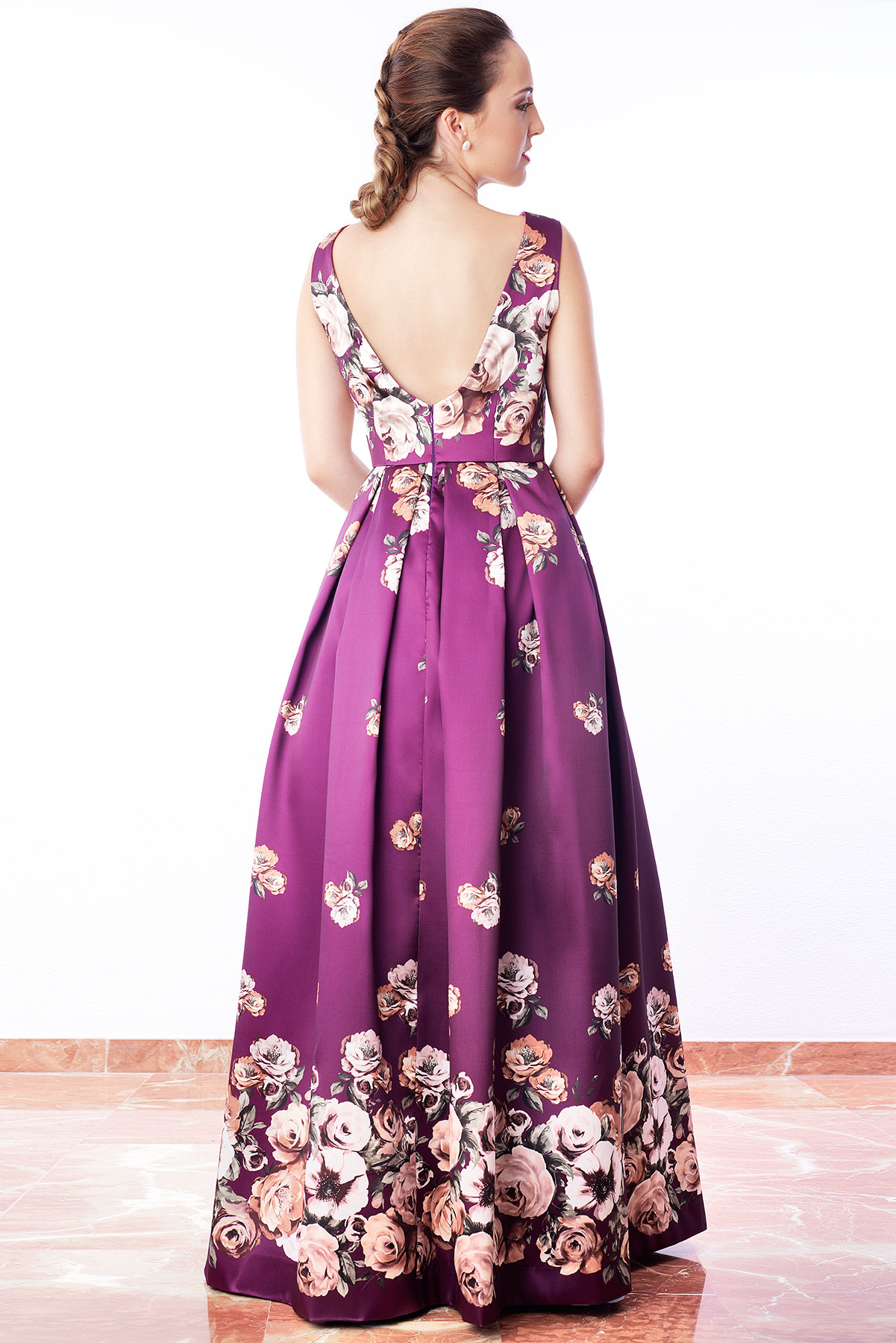 Vestido de fiesta largo estampado floral color berenjena