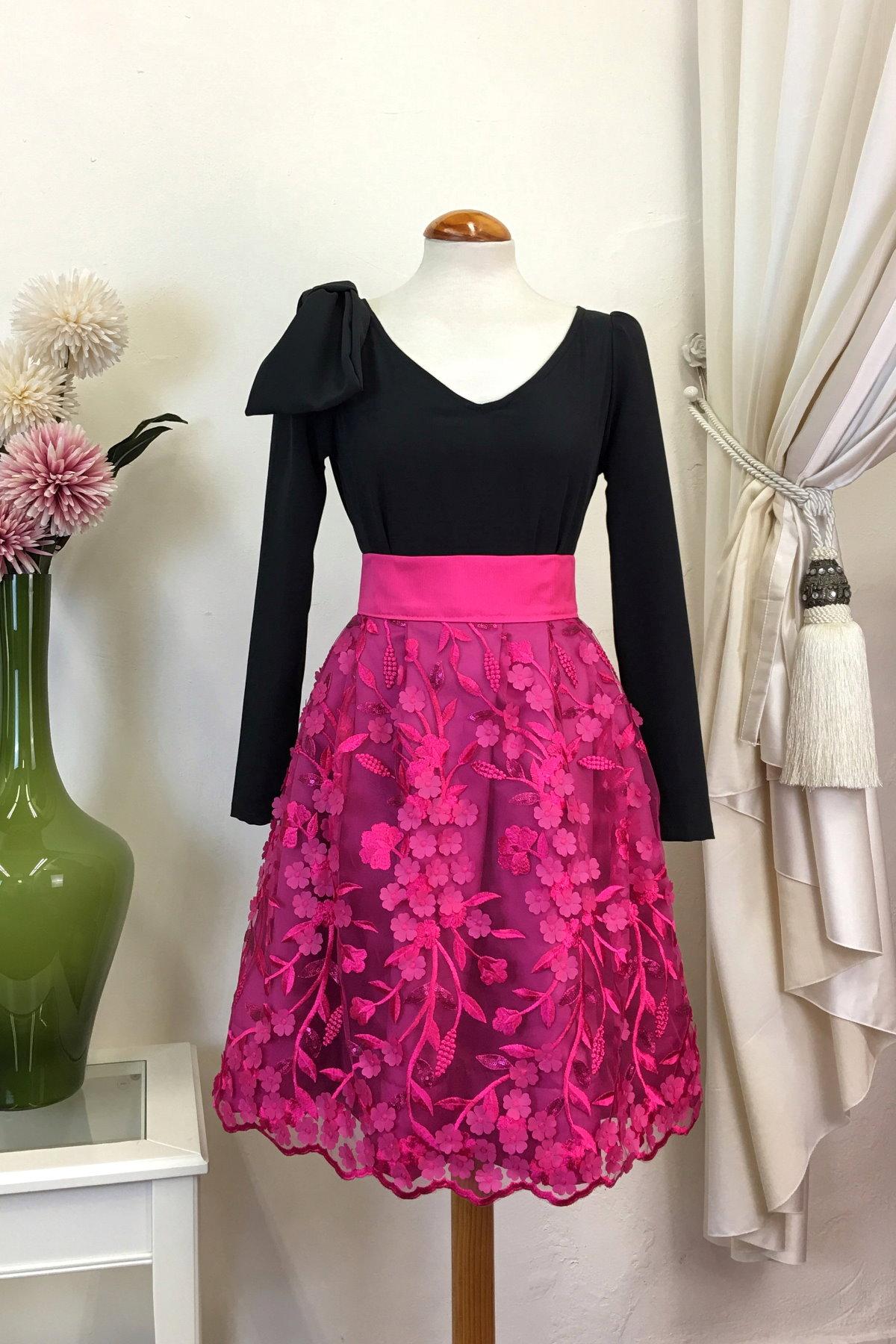 Falda de ceremonia o fiesta color morado