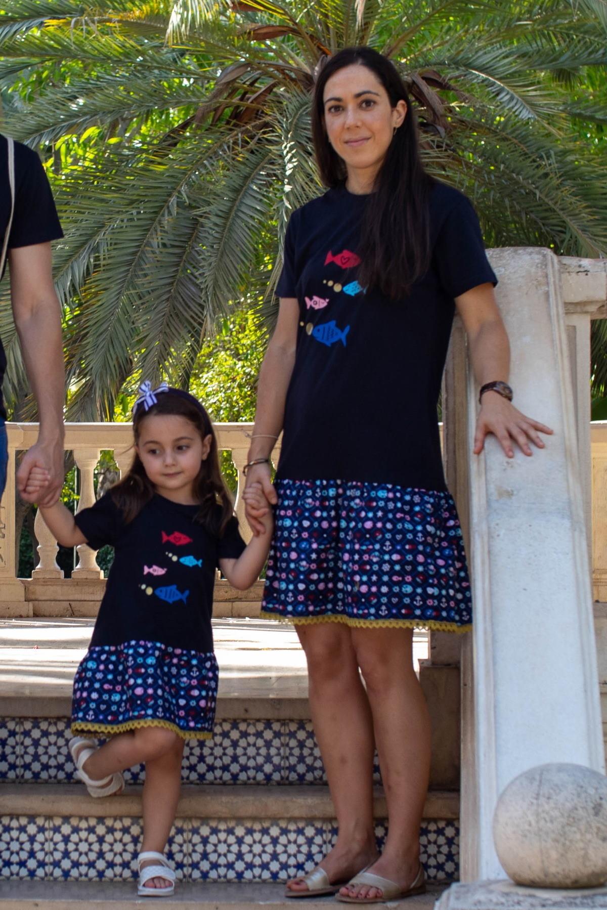 Camiseta manga corta azul marino mujer