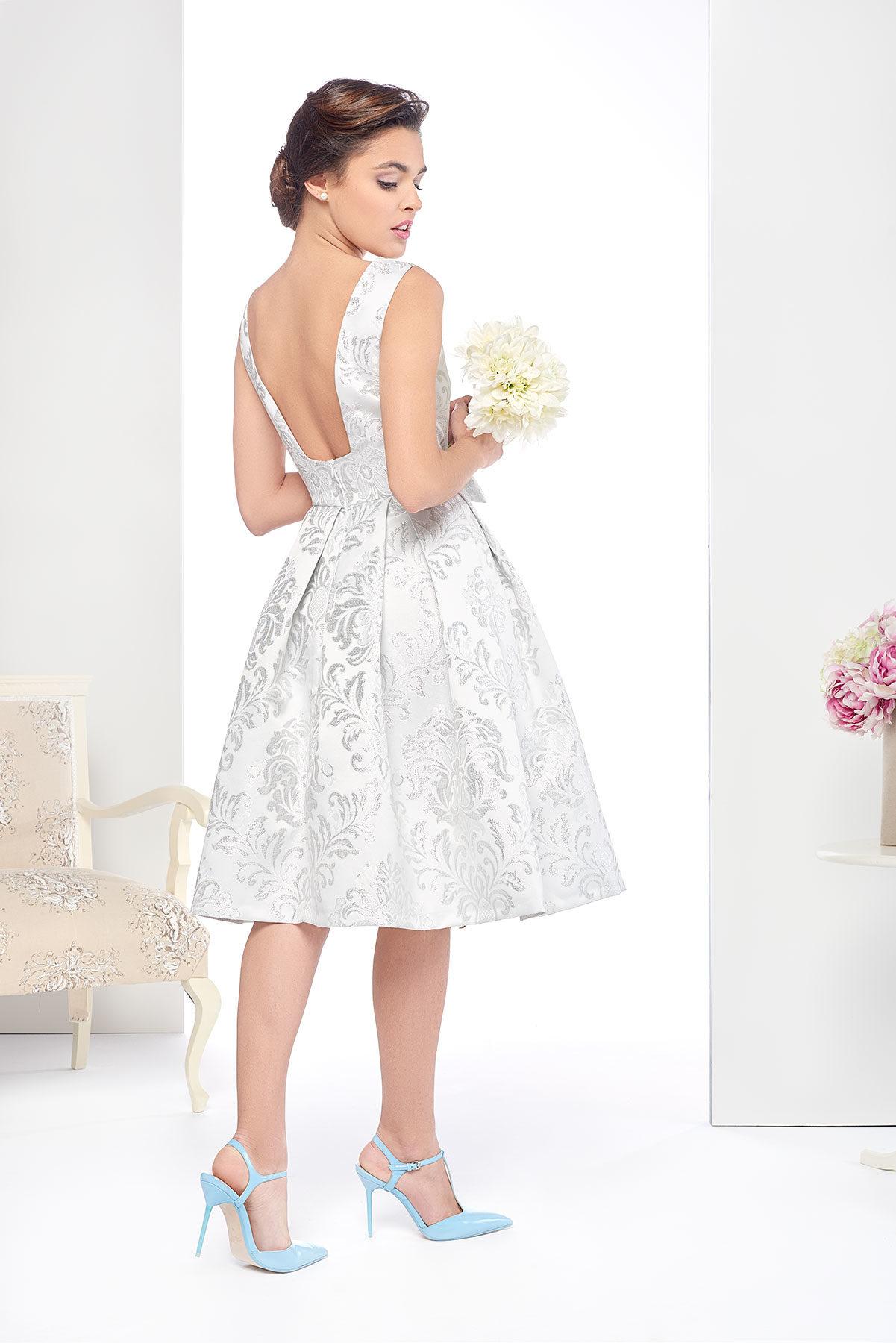 Vestido de novia corto Pasiegas en color blanco roto y gris